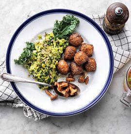 Recept på ärtstomp och kycklingköttbullar